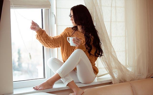 поза для фотосессии женская скрестив ноги