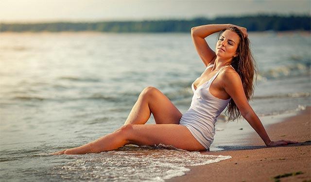 красивые девушки на море