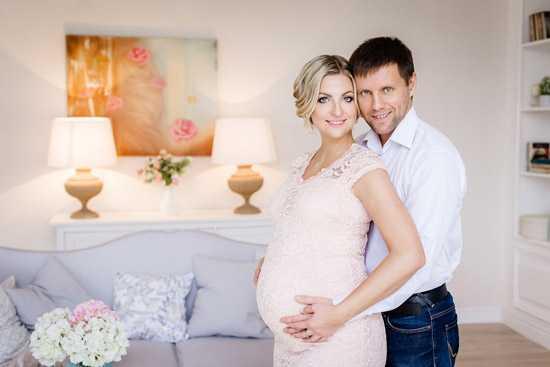 Позы для фотосессии беременной8