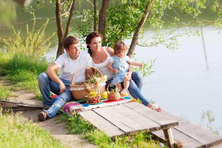 Позы для семейной фотосессии8