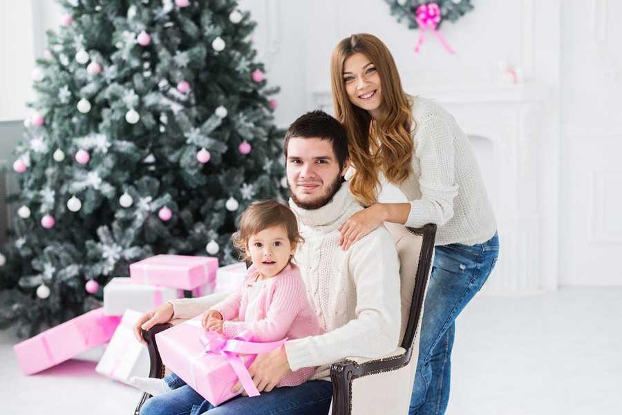 Позы для семейной фотосессии10