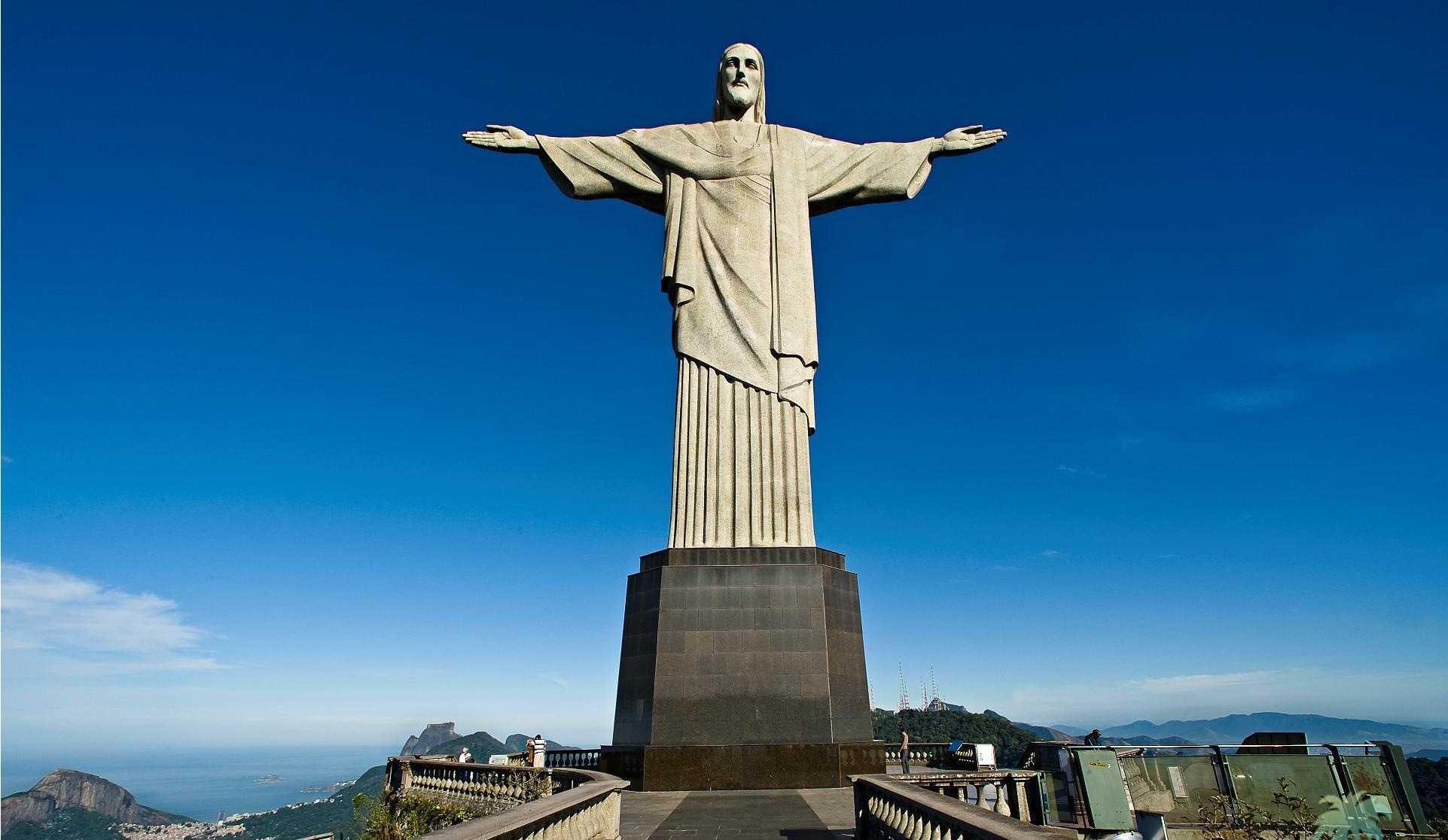 Самые известные скульптуры мира10