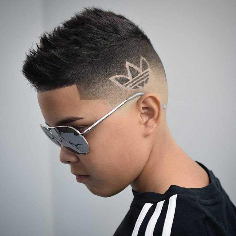 Модные стрижки для мальчиков подростков 2020 фото10