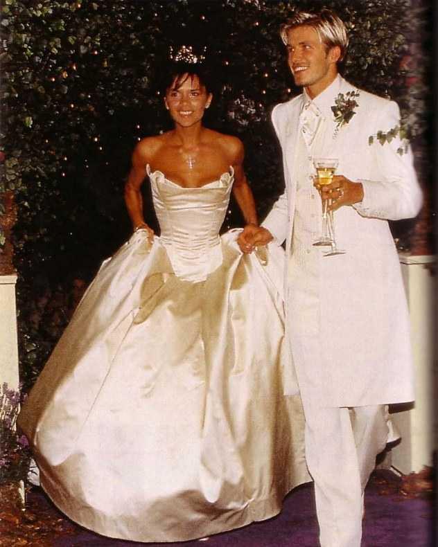 Самые красивые свадебные платья фото11